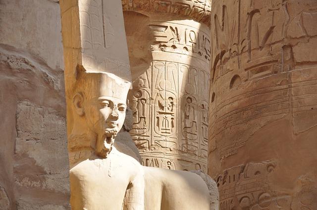 faraon a egyptský chrám