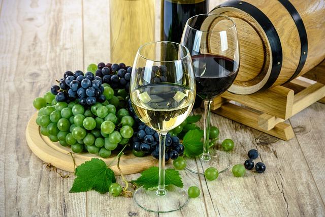 bílé a červené víno.jpg
