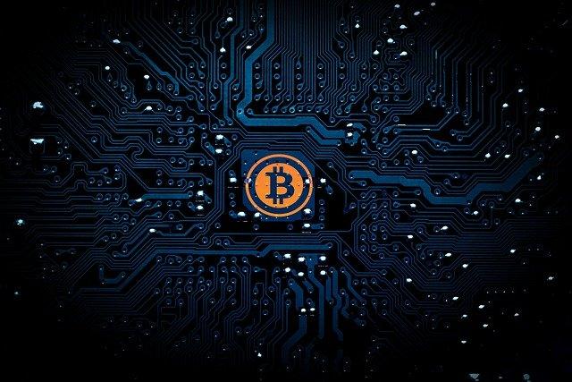 bitcoin uprostřed