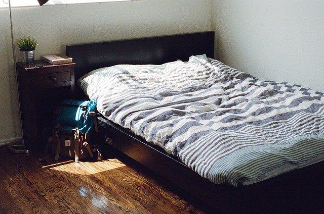 postel velká