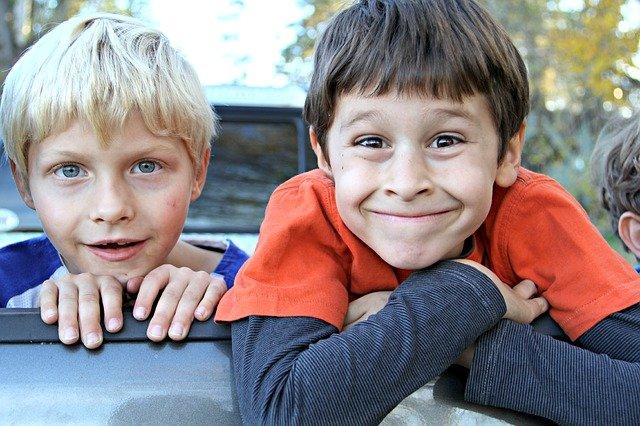 Jak zvládnout věkový rozdíl mezi sourozenci? Tyto chyby nikdy nedělejte!